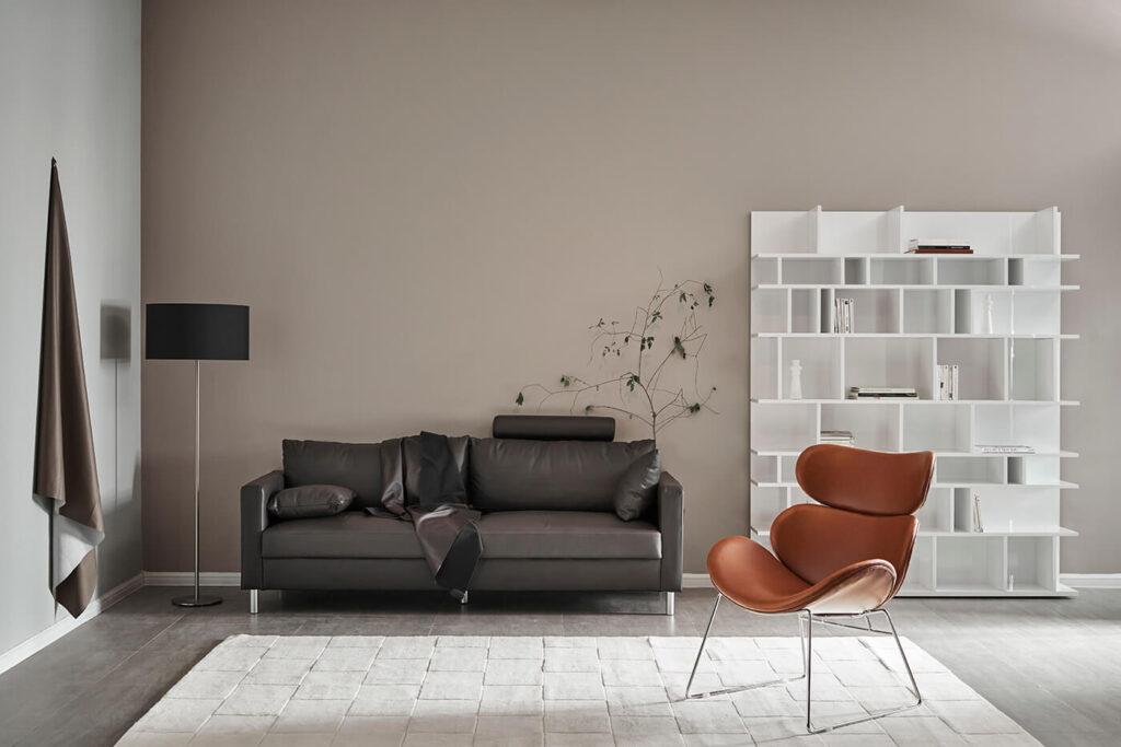 sofa da Aniston