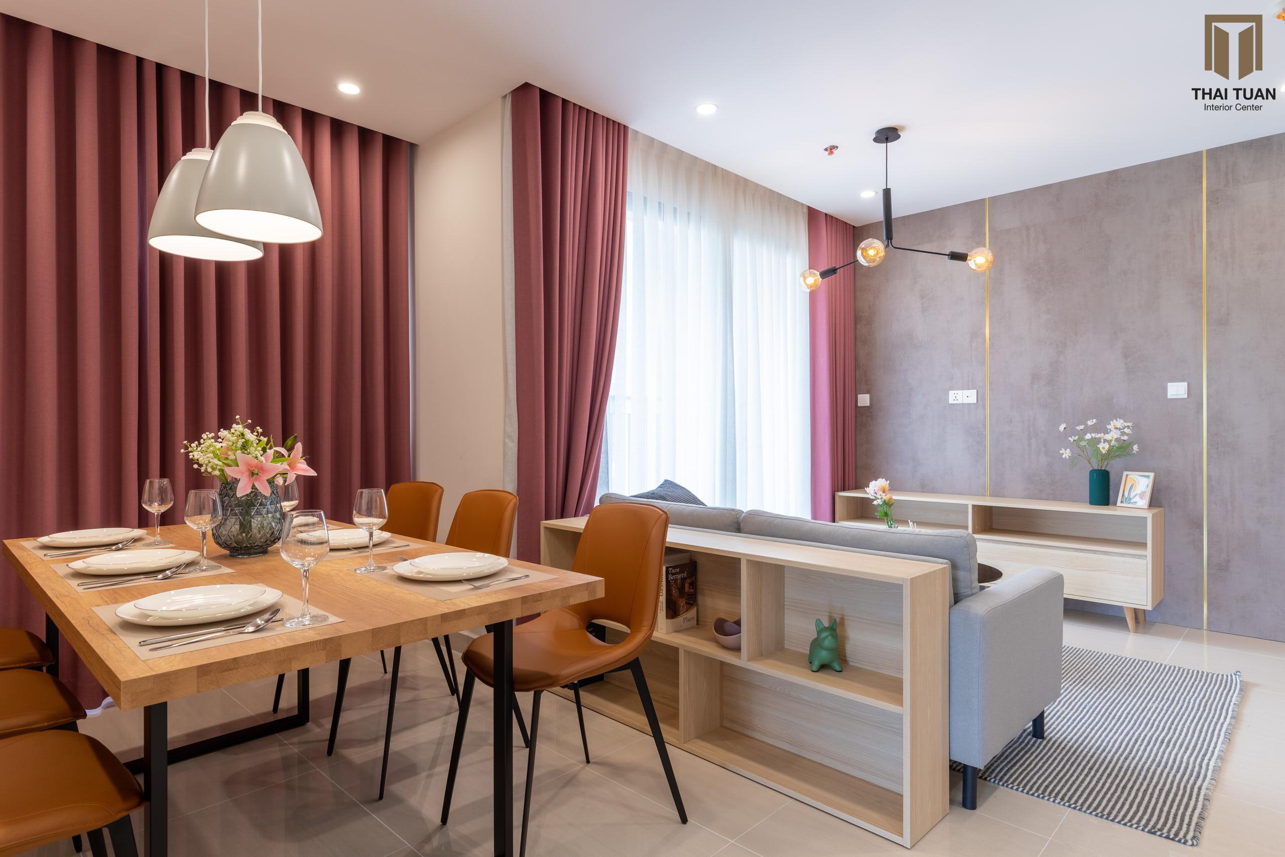 Phòng ăn ấm cúng tràn ngập ánh sáng tự nhiên