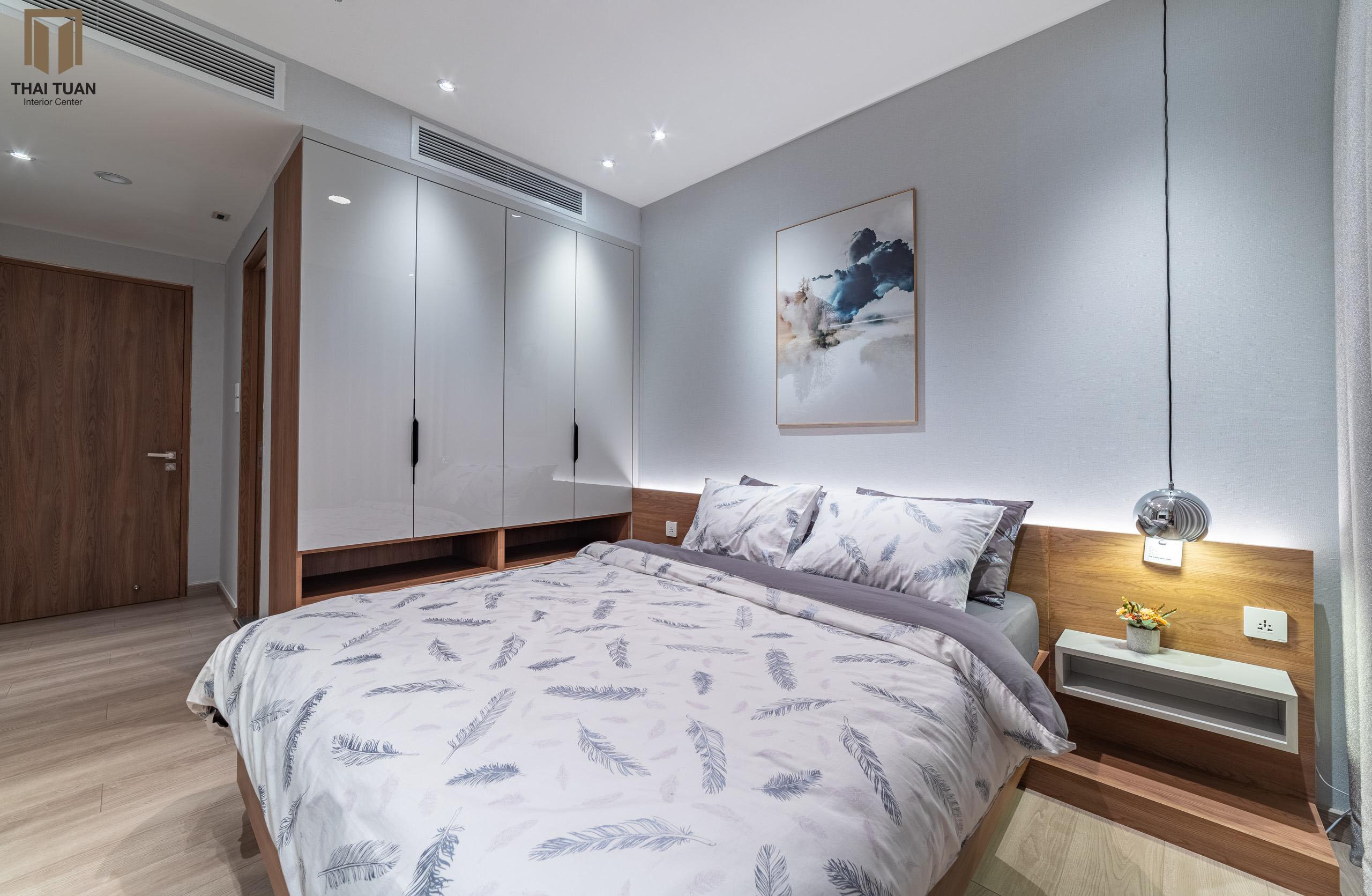 Không gian phòng ngủ nhẹ nhàng với tone màu trắng