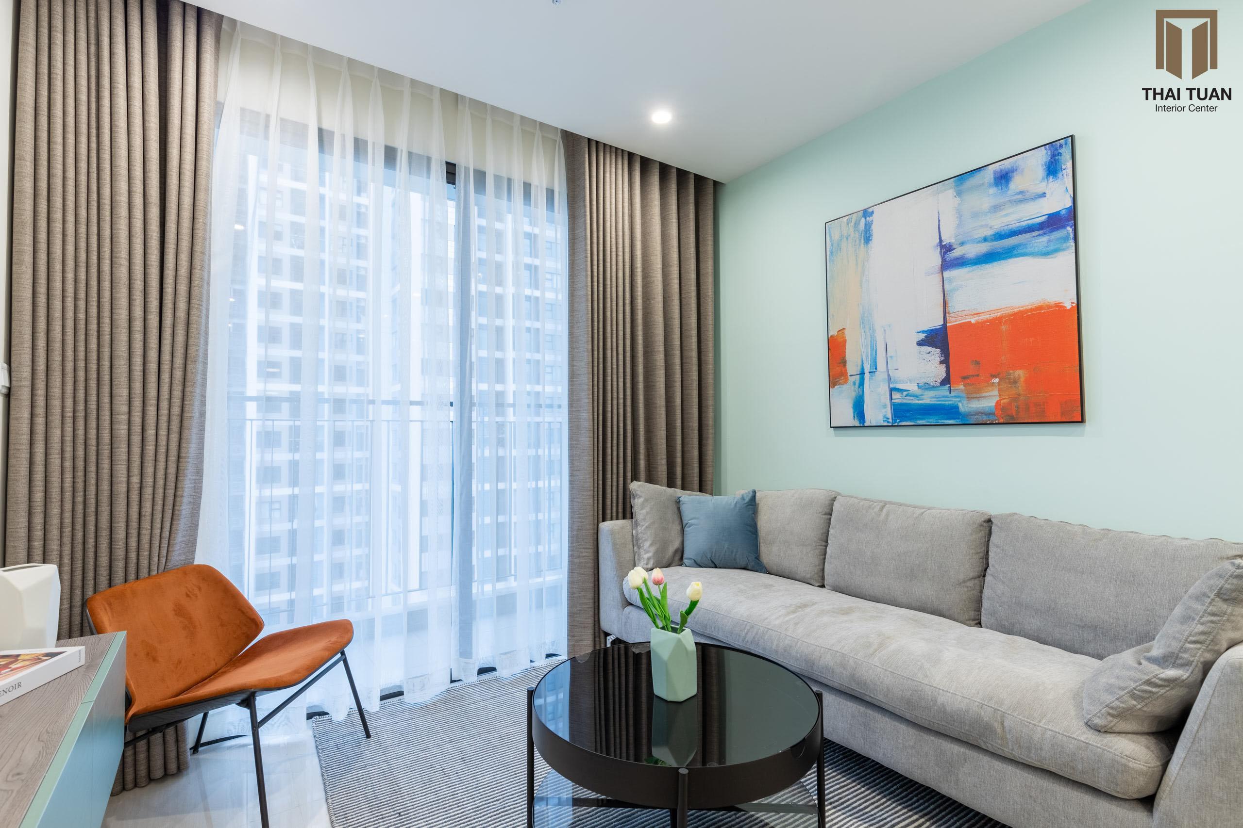 """Phòng khách với view """"đắt giá"""" hướng ra thành phố"""